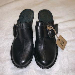 Born ladies leather clogs.